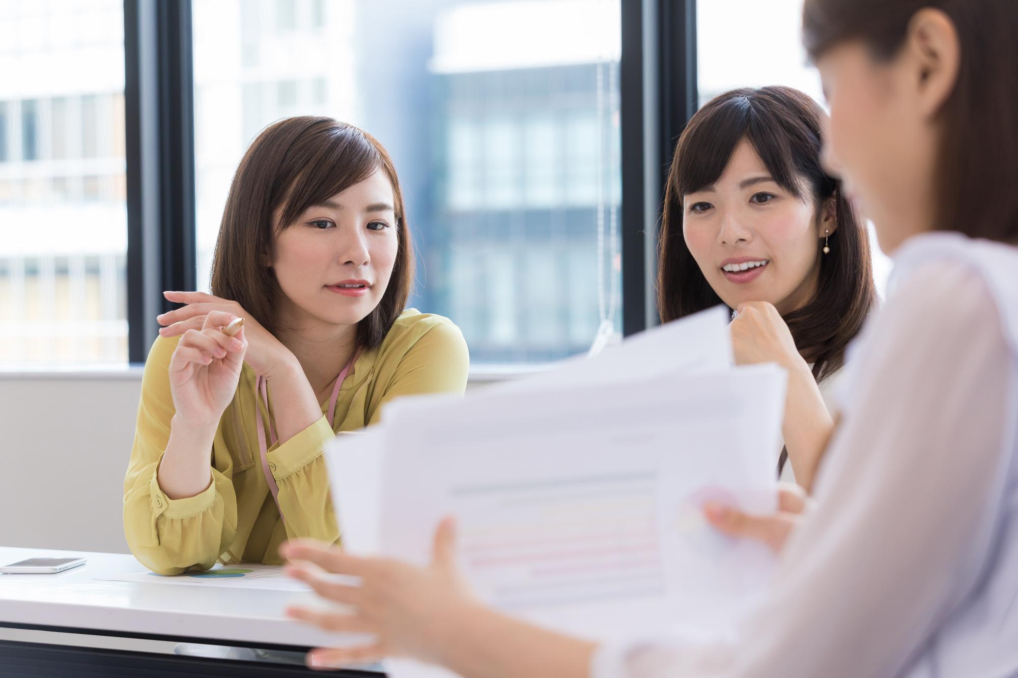 バックオフィスの業務効率化が求められる背景